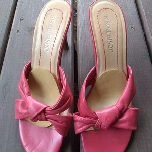 Bisou bisou pink leather bow heels 7.5